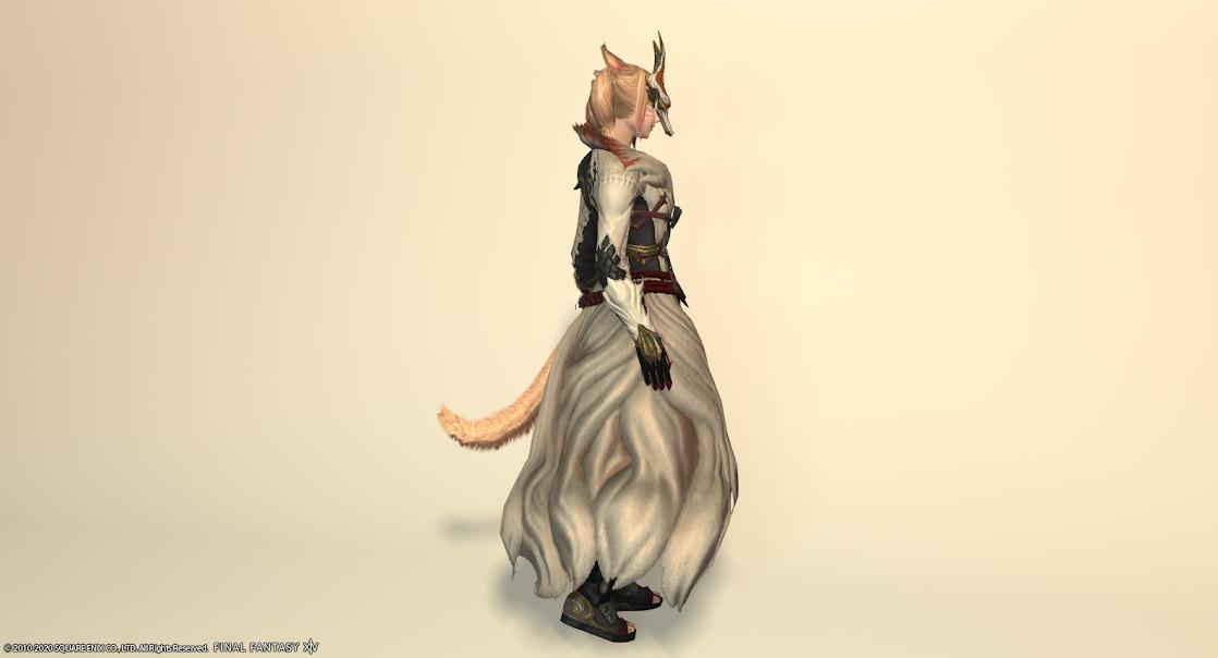 白狐装備全身サイド