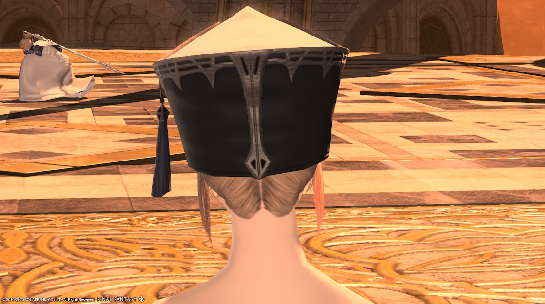 教皇庁キャス頭背面