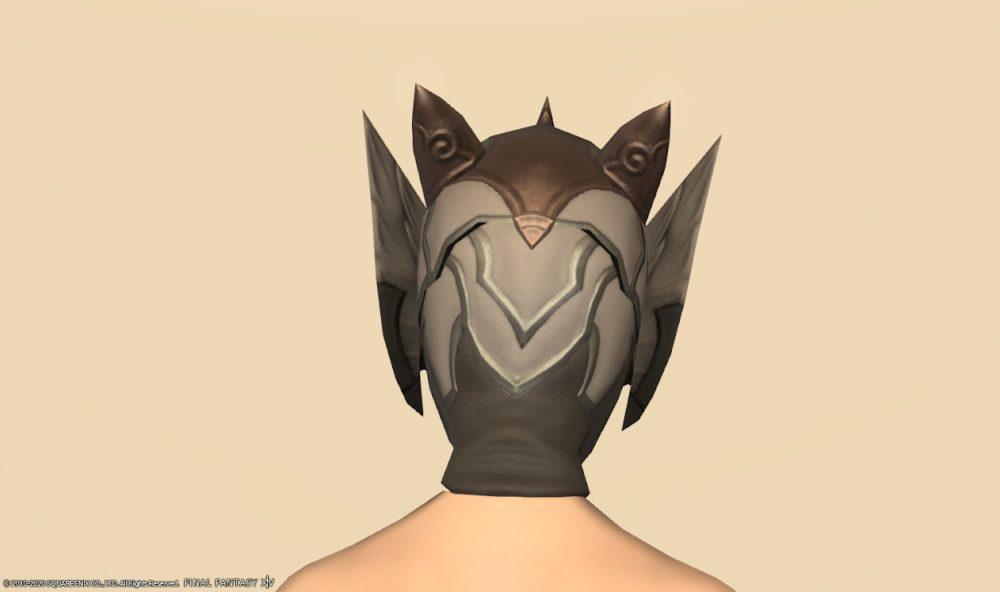 ホークウィング頭背面